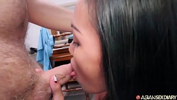 Skinny Filipina girl gives tight body and moist mouth to new white tourist frien