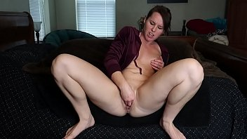 Riley Jacobs fists her loose pussy 76 sec