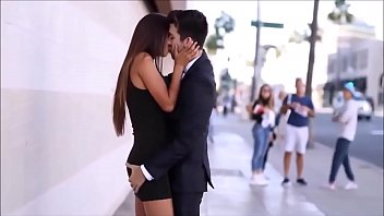 Hot Girl Kissing Gone wild (Must watch)