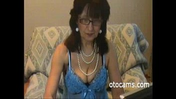 Granny Amy horny masturbating on webcam - otocams.com