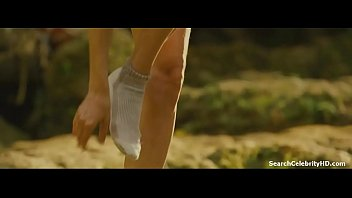 Jovovich milla nude photo Milla jovovich kiele sanchez in a perfect getaway 2009