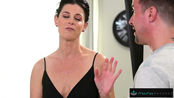 Giving My MILF Step-Aunt a Facial During Our NURU Massage 12 min