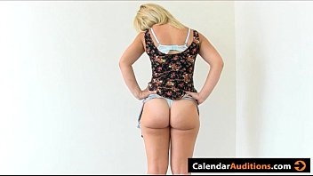 Calendario porno 2007 Porn audition with hot blonde amateur calendar girl