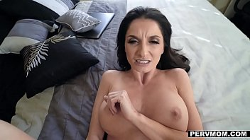 PervMom - Big Titty MILF (Silvia Saige) Seduces Stepson
