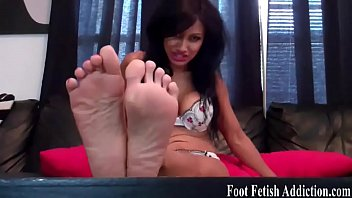 Foot long dick being sucked Shoot your cum on my tiny little feet