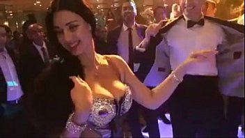 Sexy belly dancer coustumes Sofinar safinaz hot belly dancer huge tits