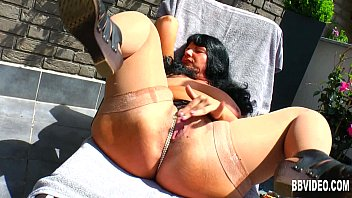 Fat German milf fuck dildo outdoors 10分钟