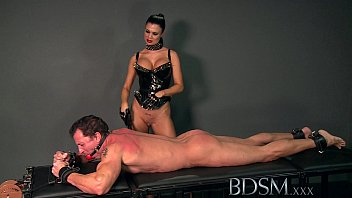 BDSM XXX Subs are slapped up and fucked and taught to enjoy it Vorschaubild
