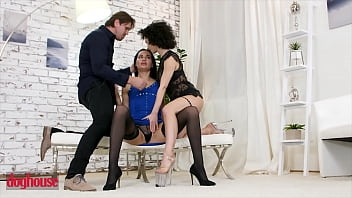CoverStud With Big Dick Cums In The Mouths Of Two Gorgeous Babes (Megan Venturi, Stacy Bloom) - Dog House