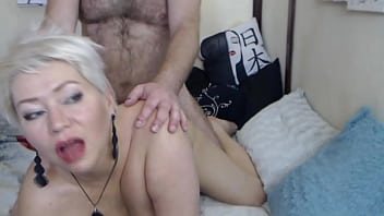 Milf secretary and vegetables in wet mature cunt…