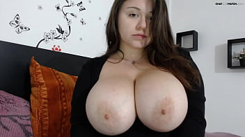 Big Natural Tits Hot Chubby Curvy Girl