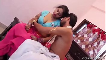 desimasala.co - Big boob aunty boob grab and groping romance with young guy