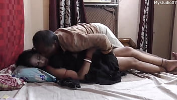 Desi Bhabi Unwanted Sex With Vegetable Sales Man!! Indian Sex With Clear Hindi Audio