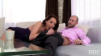 Bombshell Sophie Lynx Craves Hardcore Double Penetration To The Extreme 21 min