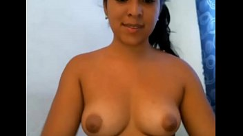 18 year old Colobian webcam model