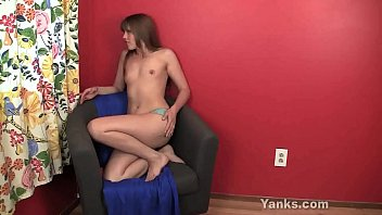 Yanks Beauty Amber Toying Her Pussy