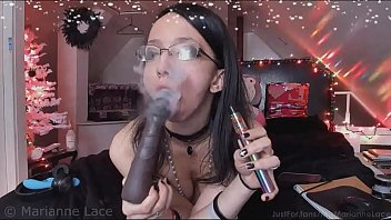 Naked smokeing Girl naked vaping blowjob, live webcam missmarianne