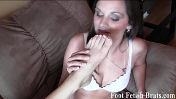 Clip foot sex video Ashley worships sadies french pedicured feet
