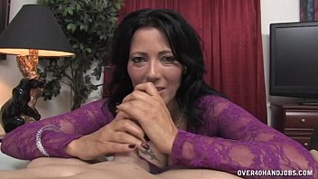 Mature hand jobs jerk off - Horny milf jerks off her driver