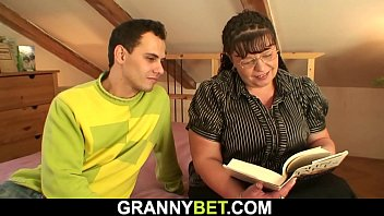 Busty mature plumper spreads legs for him