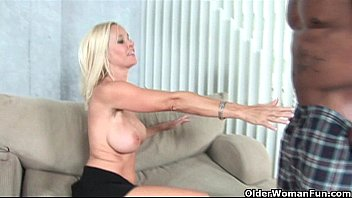 Milf huneter - Big titted milf gets facial