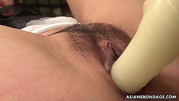 Mika Shindo likes toy insertion and a very intense orgasm [SM]
