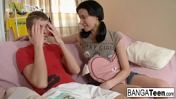 Streaming Video Her teen pussy is so tight he can't help cumming inside - XLXX.video
