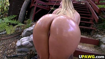 Anikka Albrite has a fat juicy amazing ass