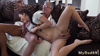 Oh fuck me daddy and old man young whore What would you prefer - Vorschaubild