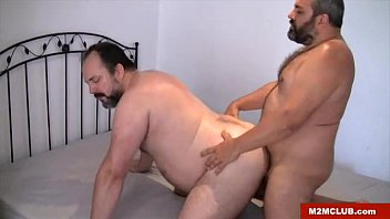Milwaukee gay bears - Spanish bears threesome