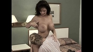 Dru makes Deauxma Squirt using a Strap-on in her butt 25 min