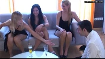 Goddess-kicks FFFm FemdomParty Español