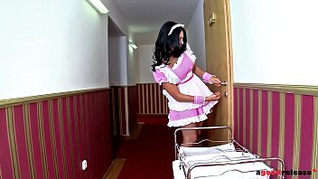 Hotel guest Chelsey Lanette & maid Kira Queen share butler's big veiny cock