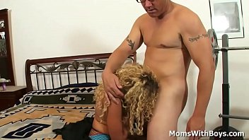 Blonde mom gets her pussy fucked and receives a warm facial shower