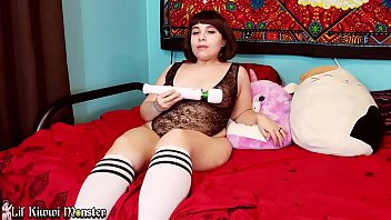 Velma Voodoo Sneaks in on Kiwwi and CATCHES her Bating with HER toy! *Short*