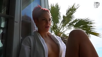 Miss Daisy Diamond sucks the hell out of a holiday maker