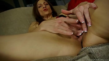 Kinky cougar loves talking dirty and fucking her soaking wet pussy