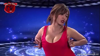 desimasala co B eautiful auntys hot cleavage a  hot cleavage and and boob shaki