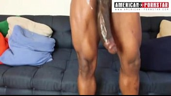 14 inch Monster Meat Julio Gomez gets his Massive pole stroked in his first porn porno izle