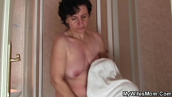 Old mother inlaw rides his cheating cock after shower