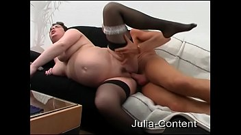 Pregnant women blows and fuck