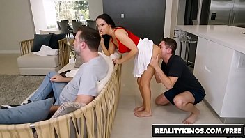 Reality Kings - Sneaky Sex - No Fucking Around - (Sofi Ryan, Brad Knight) 8分钟