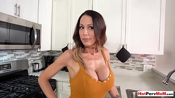 MILF stepmother gives me the best blowjob in my life