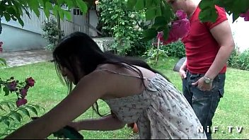 Asian french emo girl gets ass fucked outdoor 6分钟