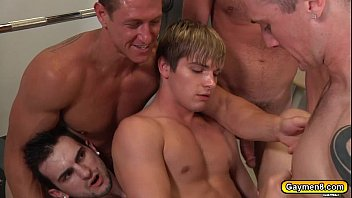 Gay johnny bench - Hunk twinks goes on group anal fucking