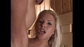 Hot sex in a hot sauna for a hot blondie! Vorschaubild