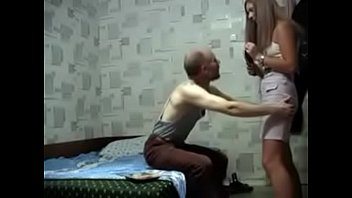 Russian Old Guy folla a una teen exquisita