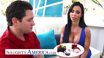 Naughty America - Jewels Jade gets creampied by the baker and his big creaming cock
