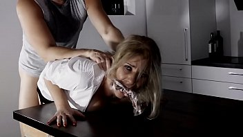 Hardcore Passionate Amateur Deepthroat and Rough Fuck in Whole House