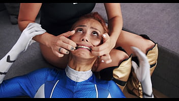 Hardcore Super Heroes Sex Fight - Nelly Kent shows Veronica Leal who is the Dominant